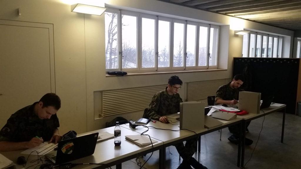 Die Kompanie-Kommandanten des Aufkl Bat 5 (v.l.n.r. Hptm Alexander Grab, Oblt Dominik Beriger, Hptm Maximilian Dietschi)